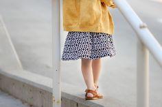 This free basic skirt pattern, includes size newborn to Juniors Take the guesswork out of skirt making. Check out this free pattern! Girls Skirt Patterns, Sewing Patterns For Kids, Dress Sewing Patterns, Clothing Patterns, Skirt Pattern Free, Free Pattern, Sewing Kids Clothes, Kid Clothing, Baby Sewing