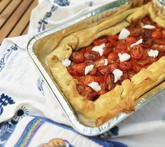 Live dalle cucine de' #ilcucchiaiodianita. Torta sfoglia con datterini e #ricotta di San Patrignano.  #iphoneonly #iphonesia #foodporn #foodstagram #foodlover #picoftheday #pic #foodgasm #instablog #foodblog #foodblogger #blogger #food #iphone #love #loveit #foodpic #foodie #recipe #italianfoodblogger #instafood #italianrecipe #gourmet #myworld #mystyle #mykitcen #InstaSalePepe