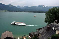 Paisagem do #Lago #Wolfgangsee, na #Áustria, no estado de Salzburg. Nas margens os lugares de Strobl, St. Gilgen, St. Wolfgang, Abersee e Ried