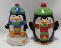 Cute Penguins Salt and Pepper Shakers Box Set Hand Painted Sculpted Pfaltzgraff