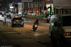 New photos on #Arrow set for ep #3x18 with Arrow in the motorbike and a police persecution  are they after him?