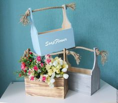 The vector file Laser Cut Wooden Flower Boxes Basket For Flowers CDR File is a Coreldraw cdr ( .cdr ) file type, size is KB, under diy puzzle vectors. Wood Crates, Wood Boxes, Wooden Flower Boxes, Cool Laser, Wood Projects, Projects To Try, Flower Packaging, Decoration Inspiration, Box Design