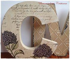 Letra C decorada con sellos , tintas y polvos embossing....tutorial