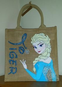 My hand painted disney character jute/tote/canvas bags. Disney Princess Paintings, Disney On Ice, Frozen Disney, Princess Canvas, Painting Backpack, Jute Tote Bags, Birthday Bag, Painted Bags, Hand Painted Signs