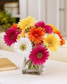 daisy flower arrangement centerpieces   Home  Valentines Day 2013  Gerbera Daisy Centerpiece