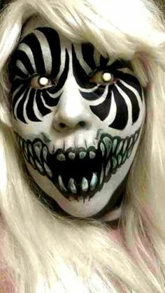 Scary halloween make up. I like this make up because it's so scary and effective using only black and white, and coloured contact lenses. Scary Clown Makeup, Scary Clowns, Scary Circus, Creepy Halloween Makeup, Zombie Makeup, Sfx Makeup, Sugar Skull Halloween Makeup, Vamp Makeup, Scary Clown Face