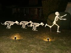 Skeleton dogs chasing a skeleton - Love it!!
