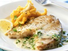 The Cod with Pumpkin Mash and Cream Sauce recipe out of our category Classic Sauce! EatSmarter has over healthy & delicious recipes online. Fish Recipes, Seafood Recipes, Cooking Recipes, Healthy Recipes, Delicious Recipes, Best Chinese Food, Easy Chinese Recipes, Food Porn, Fish Dishes