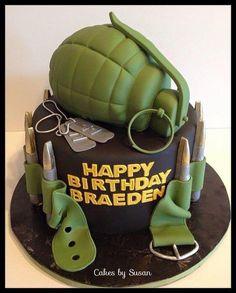 military cake - grenade