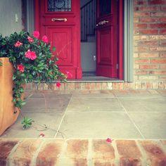"""""""uma florida entrada"""" #ahessarquitetura #arquitetura #tijolodedemolição #amomeutrabalho #floreslindas #vidacomcor"""