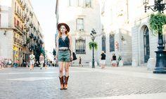 ¡No te pierdas nuestra sesión de street style en el Barrio Gótico! Street Style, The Neighborhood, Urban Style, Street Style Fashion, Street Styles, Street Fashion