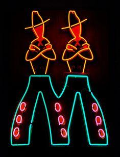 The Light Circus: Art of Nevada Neon Signs Old Neon Signs, Vintage Neon Signs, Neon Light Signs, Old Signs, Advertising Signs, Vintage Advertisements, Neon Moon, Neon Lighting, Light Art