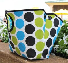 Classic stand-alone tote with expanding snaps.  Sewing pattern available NOW, on sale for $5 through Sept 7!
