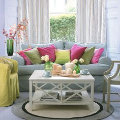i love lots of throw pillows! :)