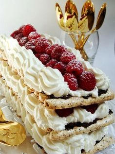 Raspberry vacherin - chocolate Meringue with whipped cream & raspberry torte -scroll down for recipe in English