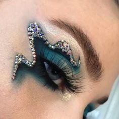 Makeup Eye Looks, Eye Makeup Art, Colorful Eye Makeup, Crazy Makeup, Eyeshadow Looks, Glam Makeup, Pretty Makeup, Mermaid Makeup Looks, Exotic Makeup