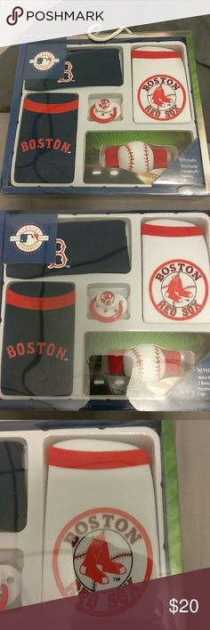 🆕 Boston Red Sox Infant Set *For 3 -6 Months..12 - 18 lbs..                                               *STILL IN BOX.. NEVER OPENED.                                        *Includes: 2 Bodysuits..1 Pacifier..1 Cap..1 Wrist Rattle *Material: Cotton Boston Red Sox One Pieces