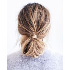 Hair hair styles hair color hair cuts hair color ideas for brunettes hair color ideas Messy Bun Hairstyles, Hairstyle Ideas, Diy Hairstyles, No Heat Hairstyles, Everyday Hairstyles, Updos Hairstyle, Cute School Hairstyles, Makeup Hairstyle, Beehive Hairstyle