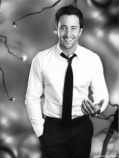 See through shirt >> Alex by Ella Webber (2008) | Alex O´Loughlin ~ An Intense Study