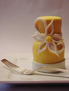 2 tier mini cake by cupcakeenvy, via Flickr