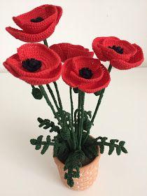 Il Blog di Sam: Spiegazione del Papavero all'uncinetto Crochet Poppy Pattern, Crochet Flower Patterns, Crochet Flowers, Crochet Home, Knit Crochet, Poppies, Diy And Crafts, Crochet Earrings, Blog