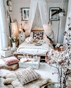 35 Amazingly Pretty Shabby Chic Bedroom Design and Decor Ideas - The Trending House Bedroom Ideas For Teen Girls, Room Ideas Bedroom, Dream Bedroom, Bed Room, Diy Bedroom, Bedroom Designs, Fall Bedroom, Budget Bedroom, Bedroom Furniture