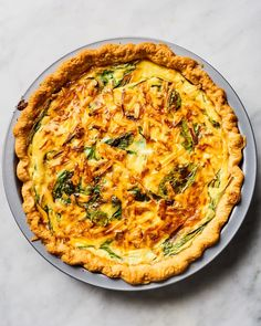 This cheesy spinach quiche will be the star of any spring table. Easy Egg Recipes, New Recipes, Cooking Recipes, Healthy Recipes, Salad Recipes, Favorite Recipes, Breakfast Quiche, Breakfast Recipes, Spinach Quiche Recipes