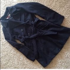 URBAN OUTFITTERS WOOL COAT Beautiful black wool coat. Warm and light. Perfect for winter. Tag Size: Medium. Fits a Small of you like to layer under the jacket and have room for it. ❌No flaws❌No trades ✔️MAKE AN OFFER I CANT REFUSE✔️ Urban Outfitters Jackets & Coats Trench Coats