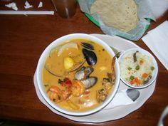 INGREDIENTES Mariscos mixtos 1 libra de caracol 1 libra de pescado 3 jaibas 1/2 lb. de almejas 1/2 lb. de camarones 1/2 yuca 1 b...