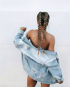 I wish I could plait my own hair like this, it would be perfect for the beach