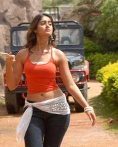 Checkout Hot Indian Actress Ileana D Cruz Super Y Legs And Cleavage Show In Black