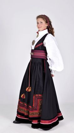Folk Costume, Costumes, The Shining, World Cultures, Larp, Filigree, Norway, Celtic, Scandinavian