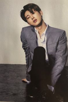 Hanbin for photoshoot Continue Album Kim Hanbin Ikon, Chanwoo Ikon, Ikon Songs, Ikon Debut, Ikon Wallpaper, Kim Ji Won, Asian Men, Asian Guys, Korean Celebrities