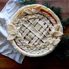 Merry Christmas Eve everyone! A classic cherry pie with a fancy crust <3