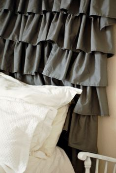 $8 ruffle curtain tutorial.  I need someone who can sew to make this for E's room (in a light gray)!!