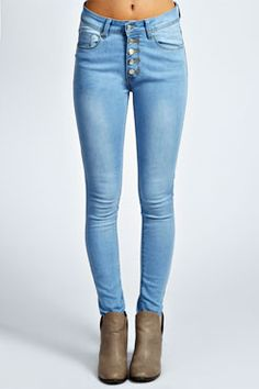 Cher Bleach Wash 5 Button Mid Rise Skinny Jeans at boohoo.com