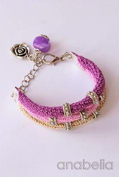 Violet-crochet-bracelet.jpg 535×800 pixels