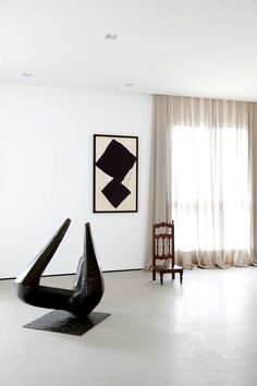 Stunning sculpture in family apartment