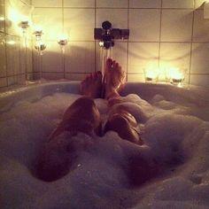 疲れが劇的に改善!暗闇入浴法で脳からリフレッシュしよう♡ - Locari(ロカリ)