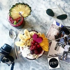 Ending Monday's like this #havingafruityday  #mondaymadness  #GardenGangstas   @theehlyx by cafeorganicbali
