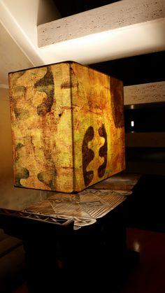 Cúpula tingida e estampada manualmente (criação Daisy de Morais da coleção Imagens Primordiais).