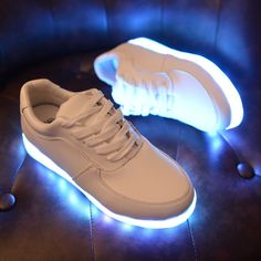 Orderly 2018 New Led Lighted Baby Girls Shoes Fashion Short Boots Glowing Children Casual Shoes Newborn Soft Bottom Shoes Sneakers Mother & Kids