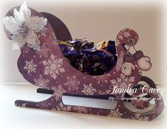 http://careyscards.blogspot.co.uk/2017/12/daisy-jewels-and-crafts-sleigh.html #HeartfeltCreations