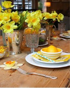 Simple tablescape from Sandra Lee. | Tablescapes | Pinterest ...