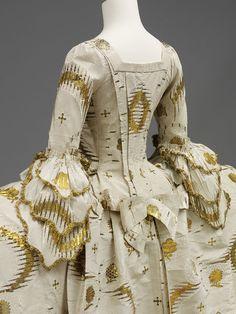 England (made) France (woven) - Mantua - Silk, silver-gilt thread, linen thread, silk thread, hand-sewn 18th Century Dress, 18th Century Costume, 18th Century Clothing, 18th Century Fashion, Vintage Gowns, Vintage Outfits, Vintage Fashion, Historical Costume, Historical Clothing