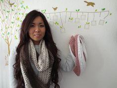 DIY: Easy 2 Color Circle Scarf Crochet Tutorial