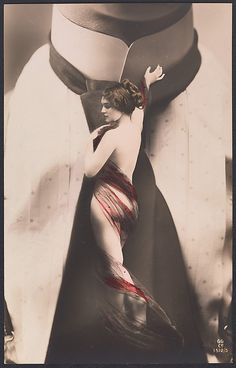 [Nude Woman on Man's Necktie. 1911.