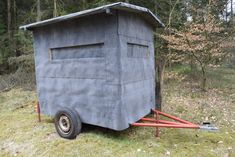 Pics: Anyone Can Build This Insanely Convenient Hunting Blin.-Pics: Anyone Can Build This Insanely Convenient Hunting Blind insanely mobile and comfortable hunting blind - Quail Hunting, Deer Hunting Tips, Deer Hunting Blinds, Elk Hunting, Archery Hunting, Pheasant Hunting, Hunting Stuff, Hunting Clothes, Hunting Stands