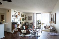 House Tour: A Guitar-Filled Silver Lake Apartment Living Room Bookcase, Living Room Decor, Living Spaces, Small Living, Apartment Needs, Apartment Therapy, Apartment Design, Beautiful Living Rooms, Home Interior Design