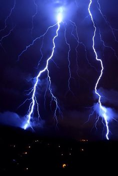 "marksheridan43: ""robert-dcosta: ""Lightning || @ || Robert D'Costa || "" Erotica Exotica: Reblogged from http://0ce4n-g0d.tumblr.com/ """